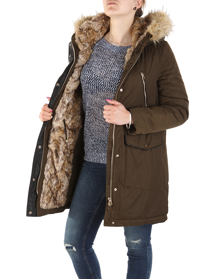 Női téli kabát Zara  04c1ee775f